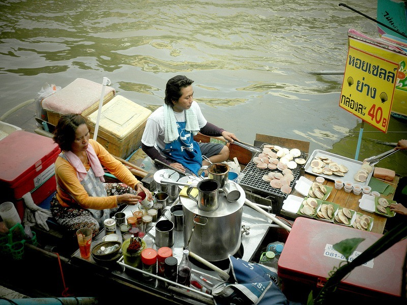 Images Of Markets On Boats In Southeast Asia (8)