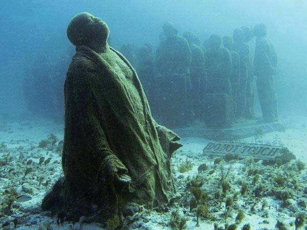 This Underwater Museum In Mexico  (8)