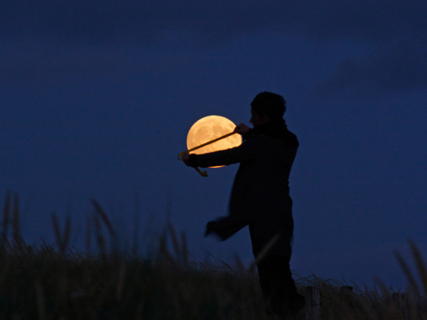 Ways Laurent Laveder Used The Moon Creatively (1)
