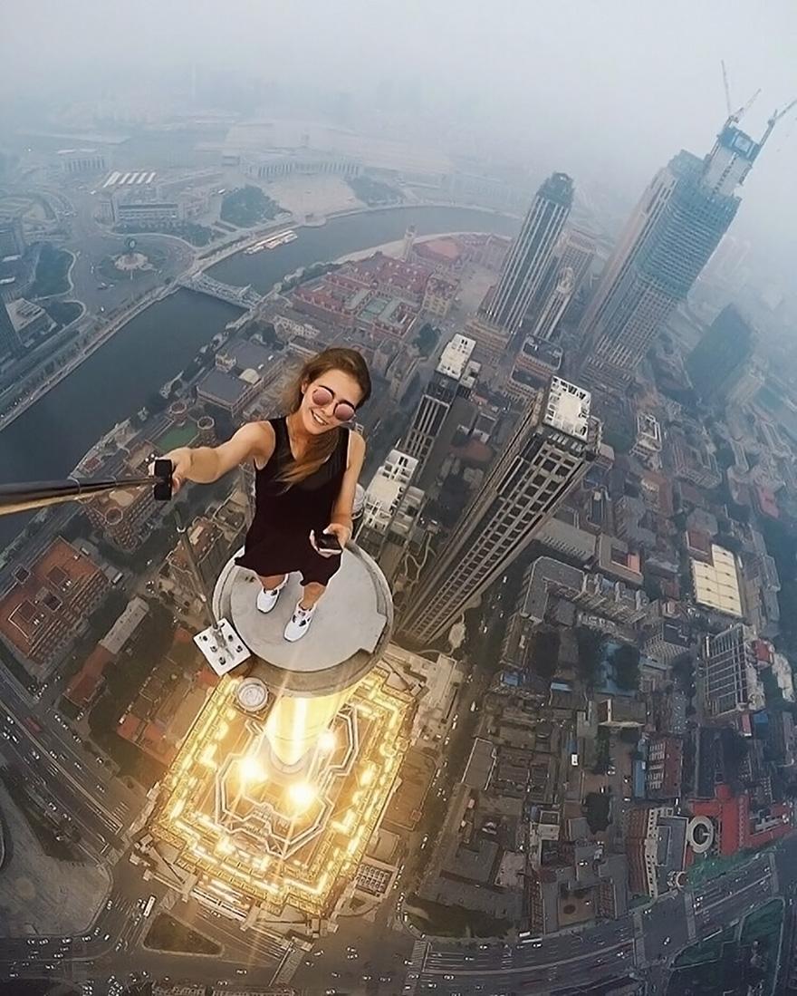 World's Most Dangerous Selfies (1)