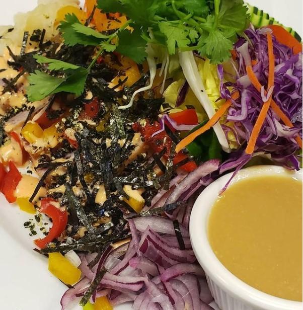 Seared Tuna Salad image