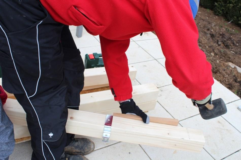 Schaukel aufstellen - Aufhängung montieren (c) Grashüpfer