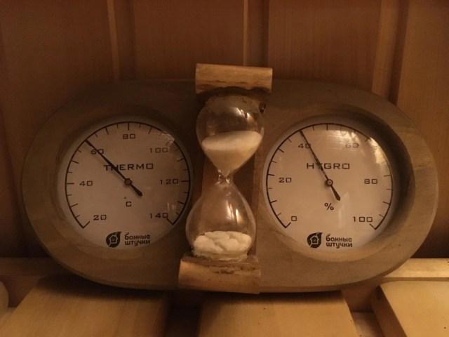 термометр в парилке бани