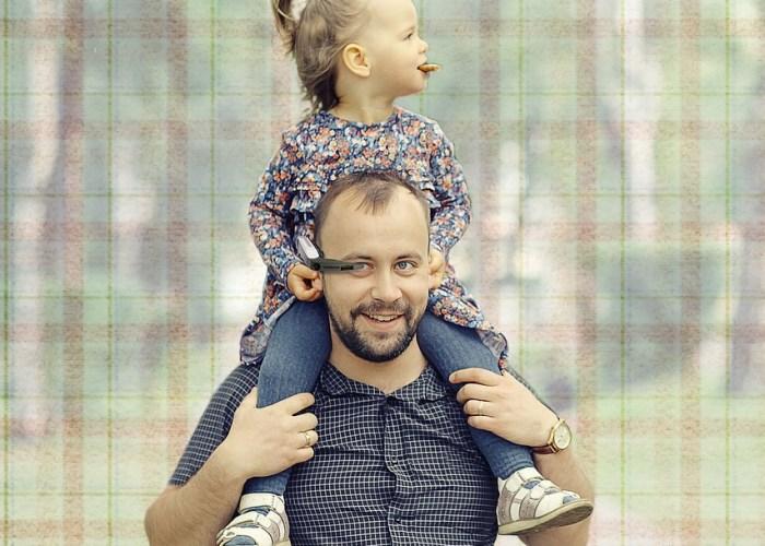 Должен ли мужчина гулять с ребёнком?
