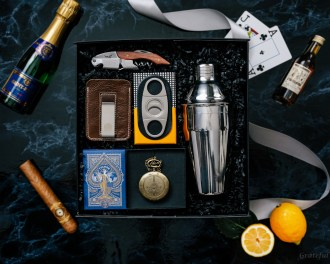 Happy Hour Gift Box wood bottle opener playing cards cohiba cigar cutter cocktail kit blackjack