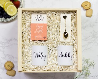 Gift Box Newlywed Wifey Hubby Mug Set Love Tea Gift Gold Heart Spoon Engagement Box