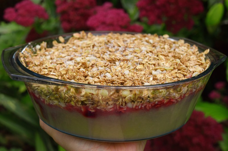 An image of how this healthy vegan crumble will look when it's finished!