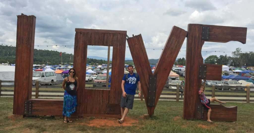 Lockn love sign