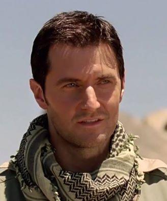 """2010 as John Porter in the desert in """"Strikeback"""" series 1"""