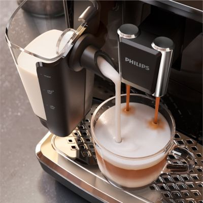 cafea cu lapte la espressor automat philips