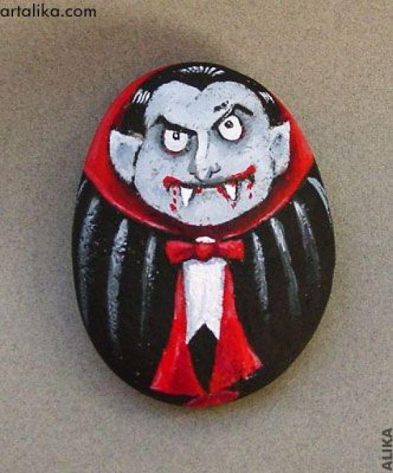 Dracula pictat pe piatra inspiratie pentru halloween