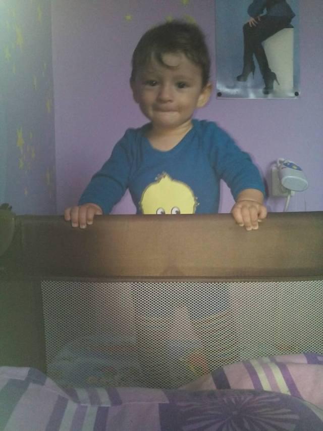 pătuț bebe, pătuț pliabil, material textil, bebe 9 luni