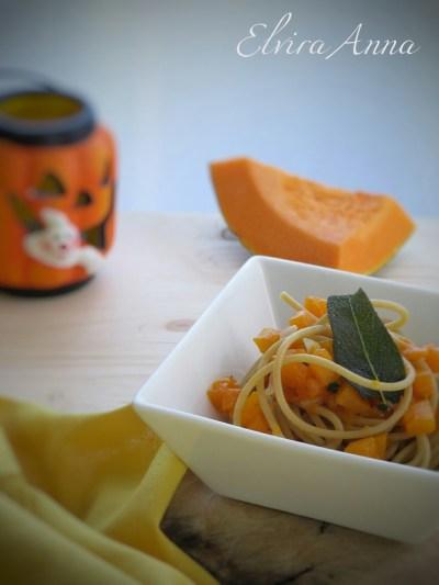 spaghetti con ragù di zucca
