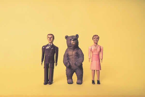 おもちゃの男、女、クマ無料写真