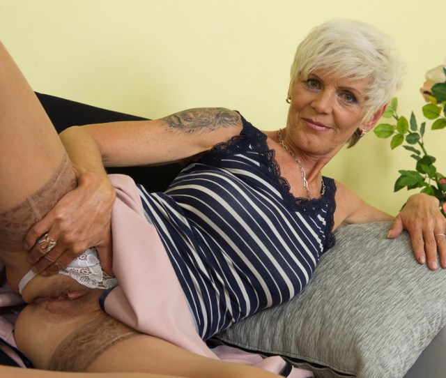 Mature Hairy Granny Pussy
