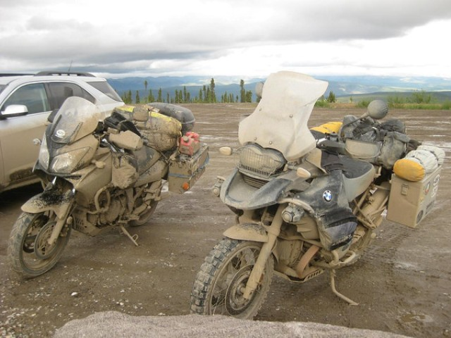 dempster highway dirty bikes