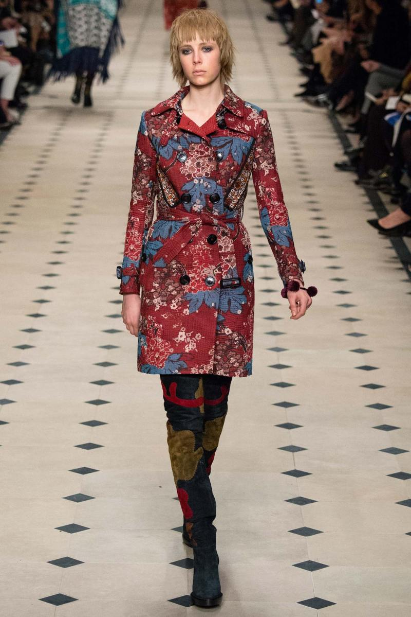 Burberry Prorsum Ready to Wear FW 2015 LFW (2)