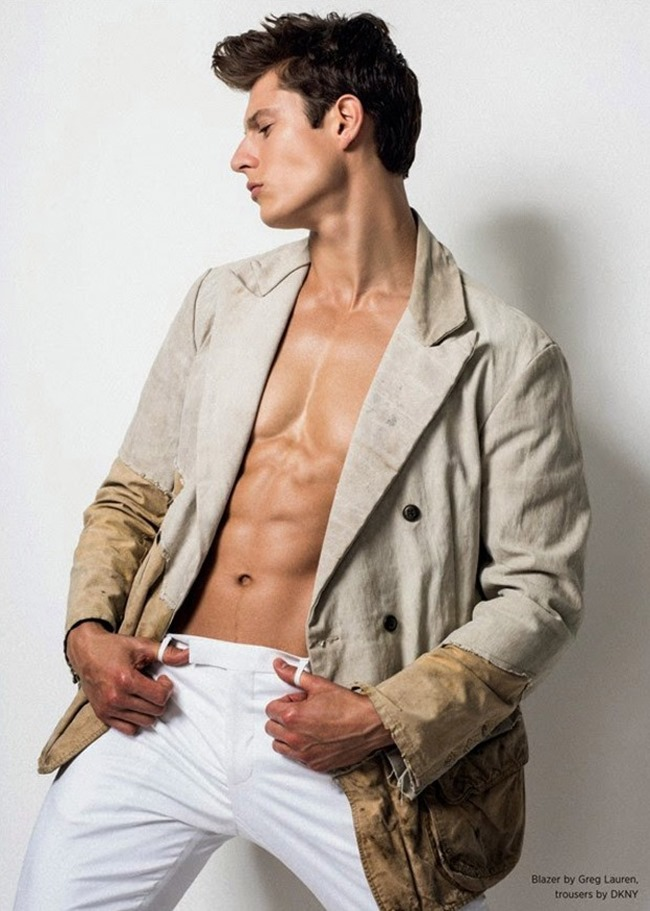 EIAN SCULLY BY GREG VAUGHAN