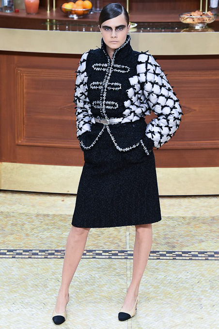 Chanel Ready to Wear FW 2015 PFW (1)
