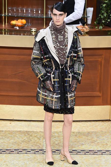 Chanel Ready to Wear FW 2015 PFW (6)