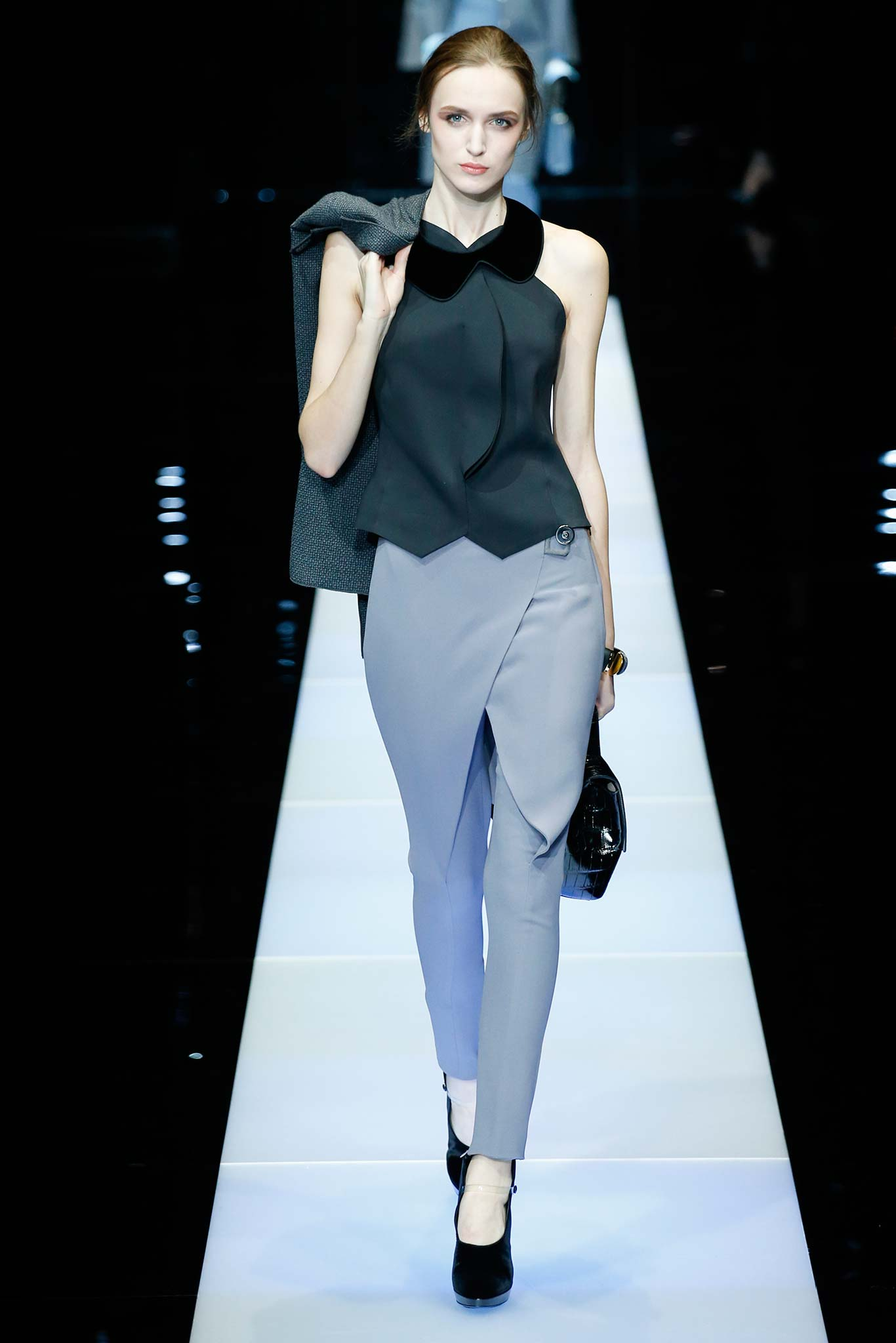 Giorgio Armani Ready to Wear F/W 2015 MFW