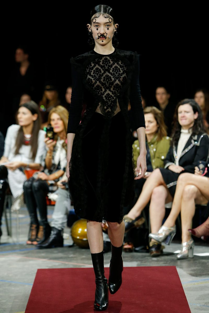 Givenchy Ready to Wear FW 2015 PFW (1)
