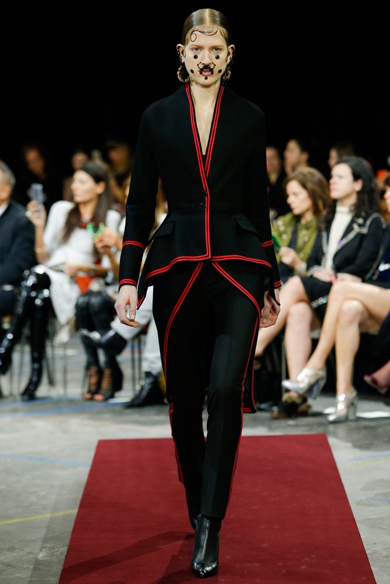 Givenchy Ready to Wear FW 2015 PFW (25)