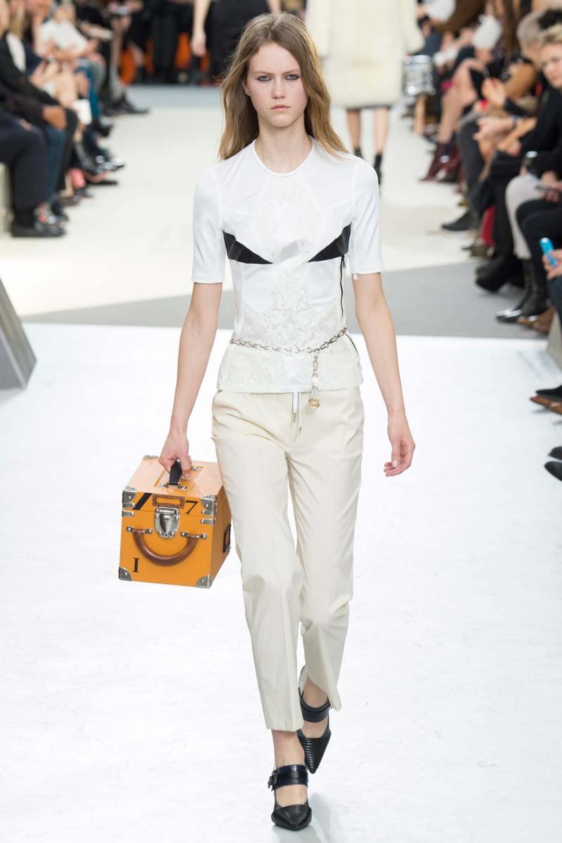 Louis Vuitton Ready to Wear FW 2015 PFW (10)
