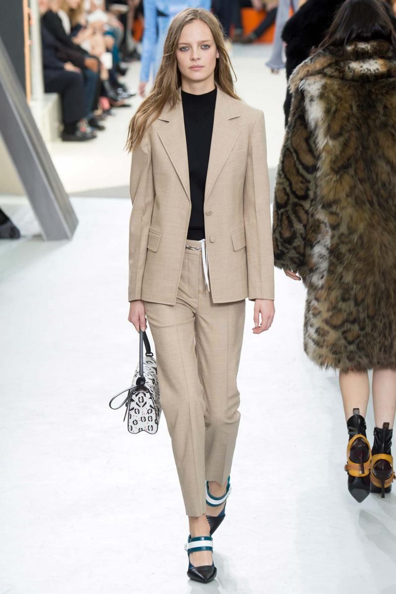 Louis Vuitton Ready to Wear FW 2015 PFW (12)