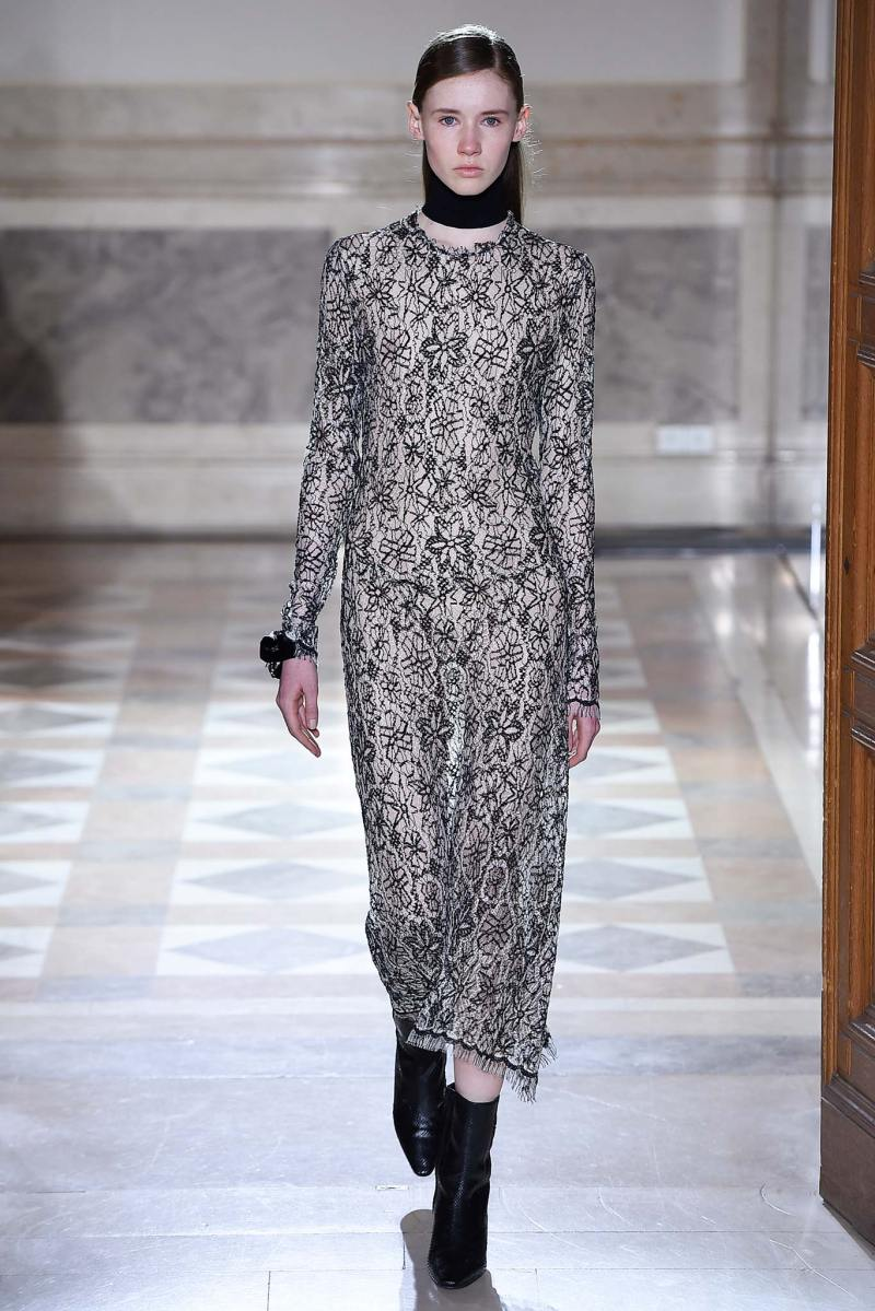 Sharon Wauchob Ready to Wear FW 2015 PFW (9)