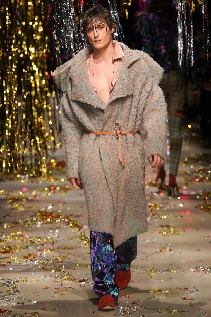 Vivienne Westwood Ready to Wear FW 2015 PFW (33)