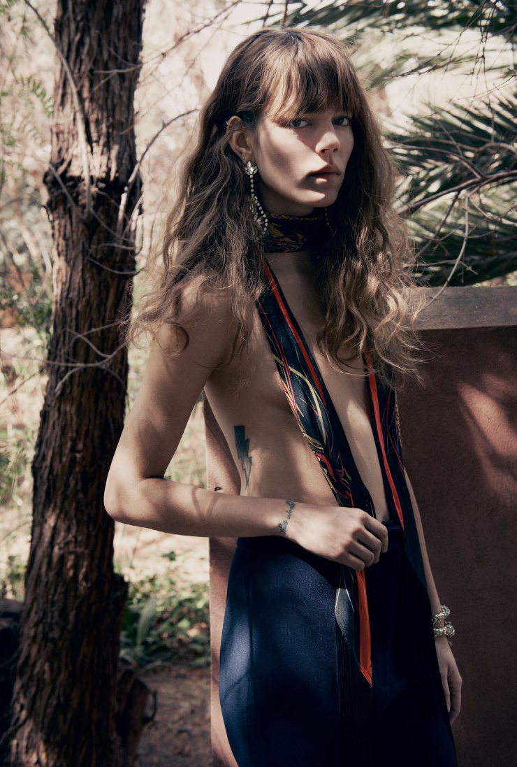 freja-beha-erichsen-by-glen-luchford-for-vogue-uk-june-2015-6