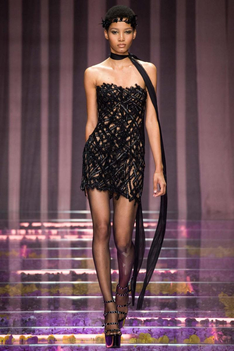 Atelier Versace Haute Couture FW 2015 Paris (24)