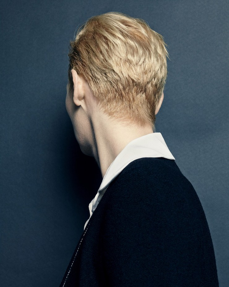 tilda-swinton-by-hong-jang-hyun-for-vogue-korea-august-2015-3