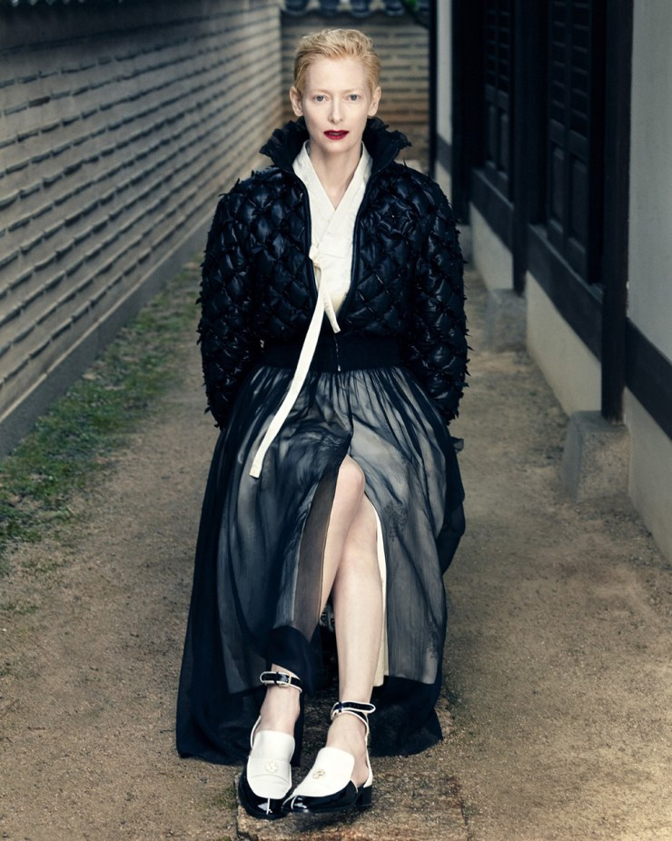 tilda-swinton-by-hong-jang-hyun-for-vogue-korea-august-2015-4