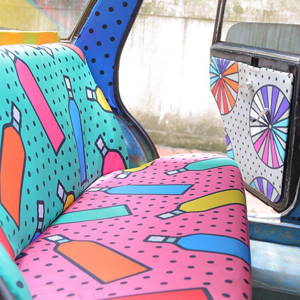 Taxi Fabric, A New Form of Exhibiting Art (4)