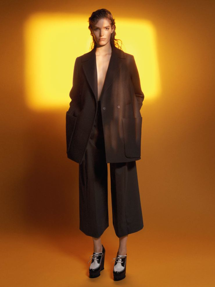 alisa-ahmann-by-david-sims-for-sportmax-fall-winter-2015-2016-1