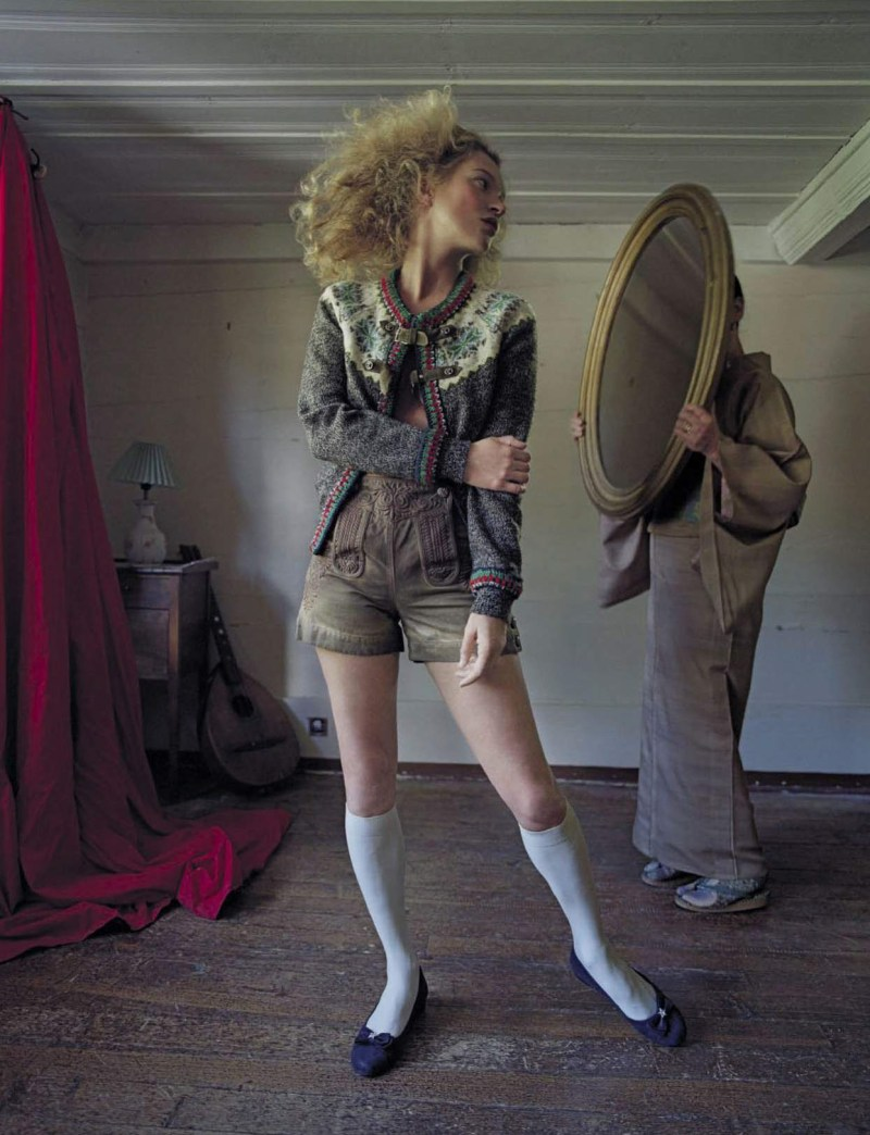 kate-moss-setsuko-ideta-by-tim-walker-vogue-italia-september-2015-07