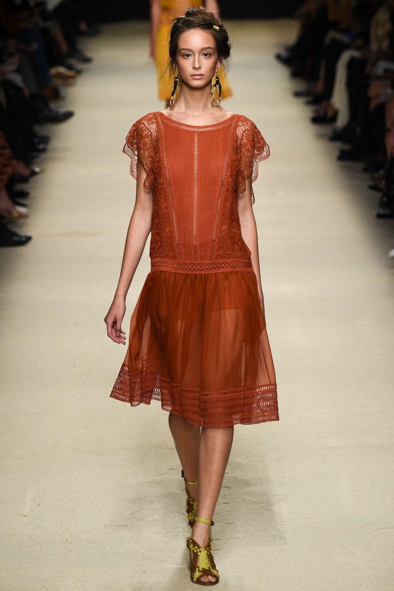 Alberta Ferretti Ready To Wear SS 2016 MFW (16)