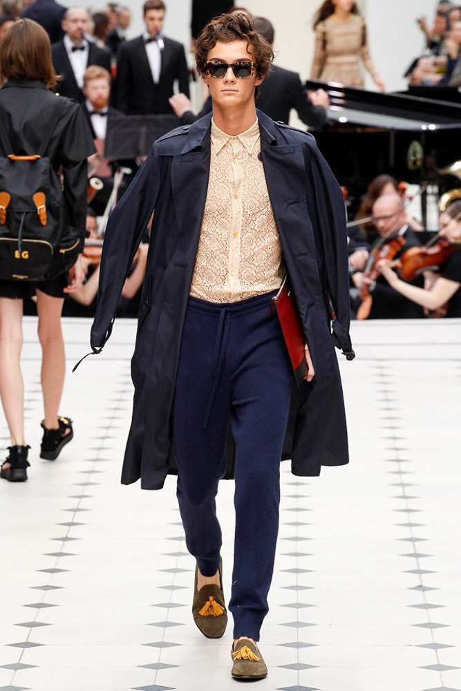 Burberry Prorsum Ready To Wear SS 2016 LFW (17)