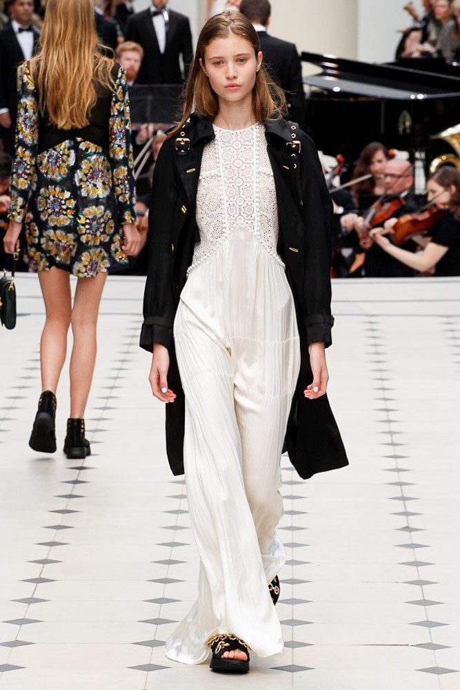 Burberry Prorsum Ready To Wear SS 2016 LFW (49)
