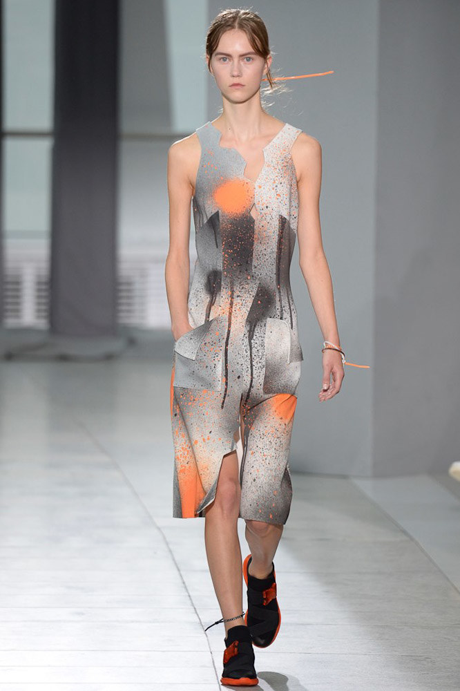 Christopher Kane Ready To Wear SS 2016 LFW (4)