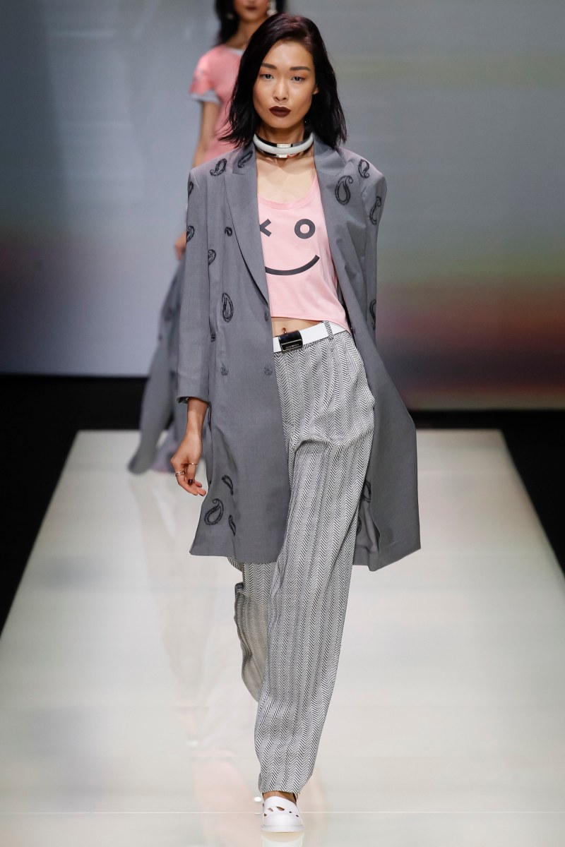 Emporio Armani Ready To Wear SS 2016 MFW (1)