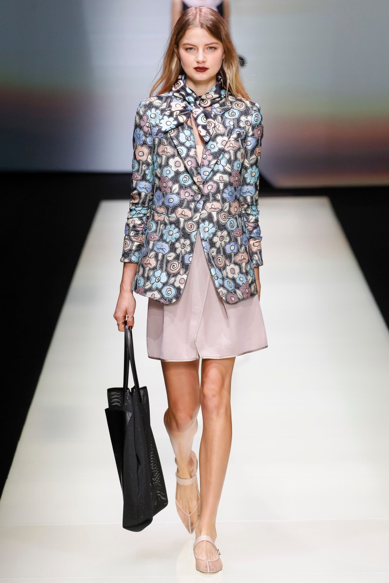 Emporio Armani Ready To Wear SS 2016 MFW (12)
