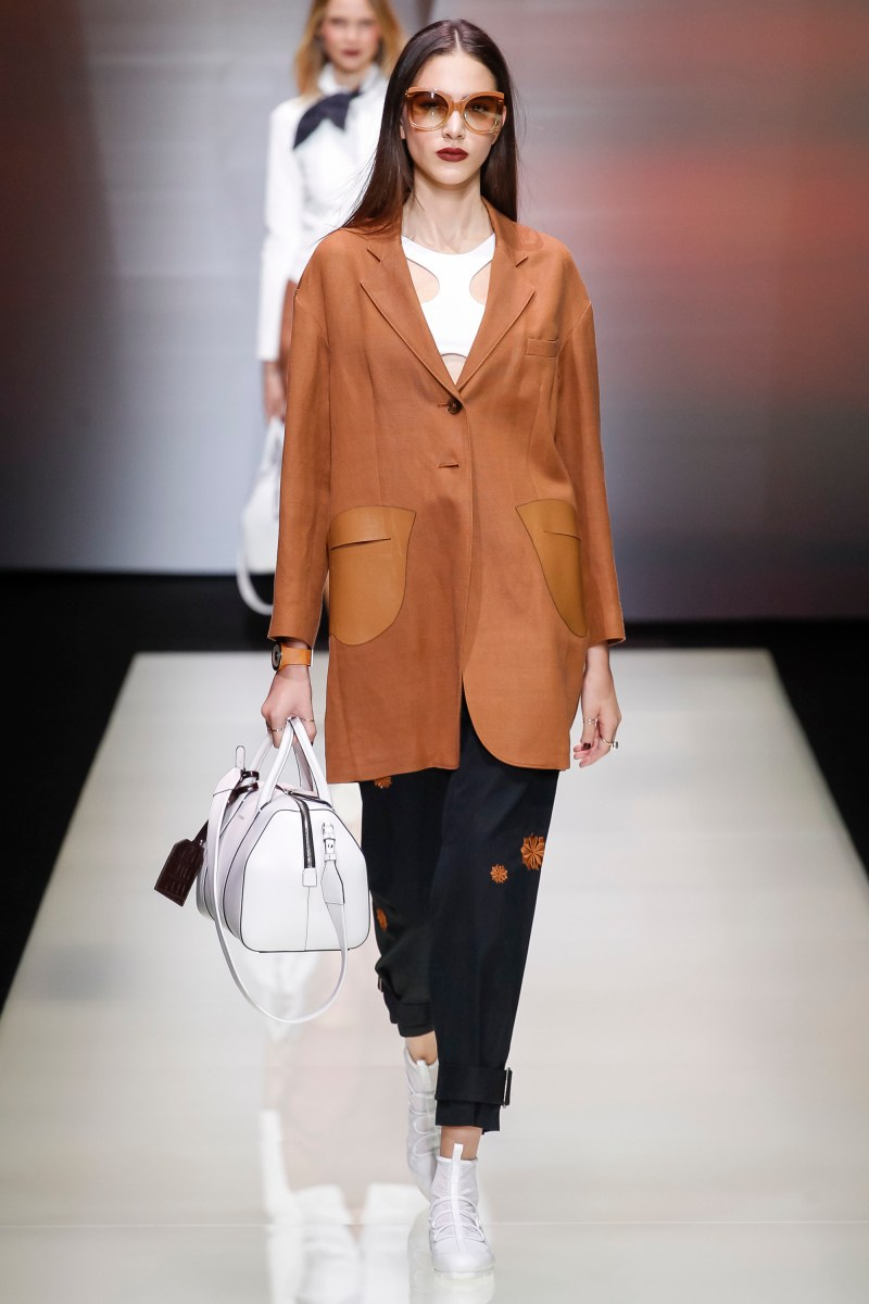 Emporio Armani Ready To Wear SS 2016 MFW (21)