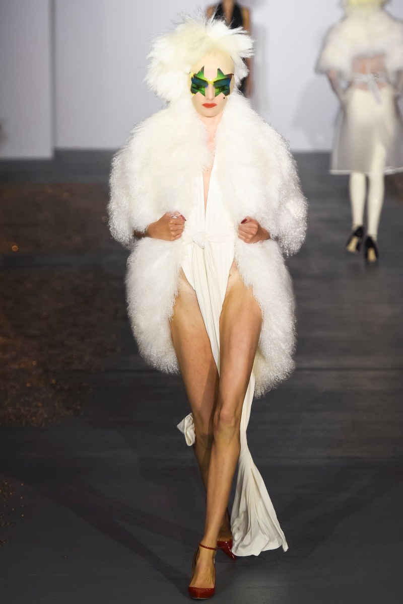 Gareth Pugh Ready To Wear SS 2016 LFW (17)