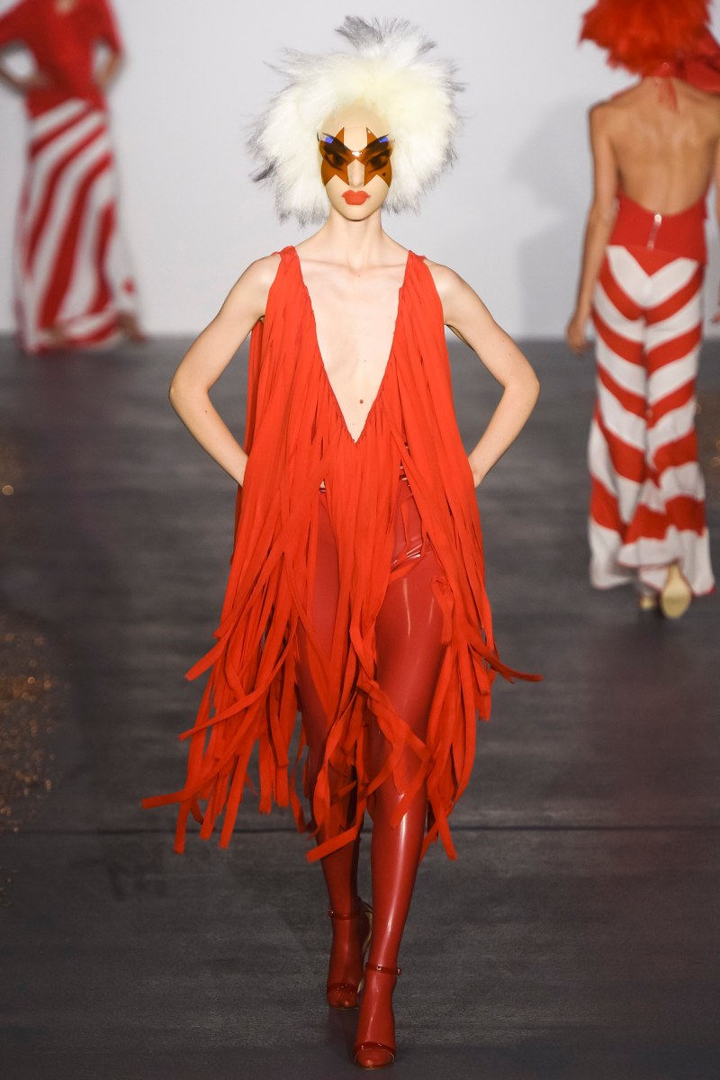 Gareth Pugh Ready To Wear SS 2016 LFW (3)