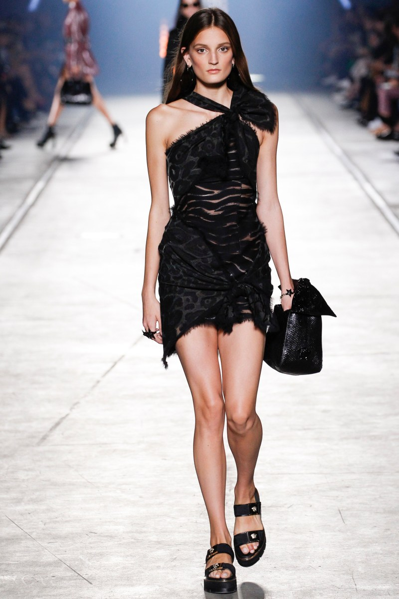 Versace Ready To Wear SS 2016 MFW (29)