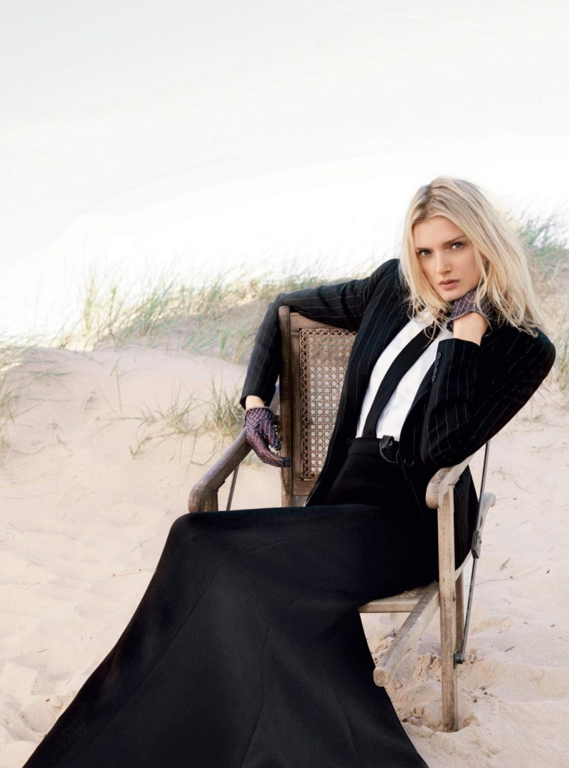 lily-donaldson-by-david-slijper-harpers-bazaar-uk-october-2015-04