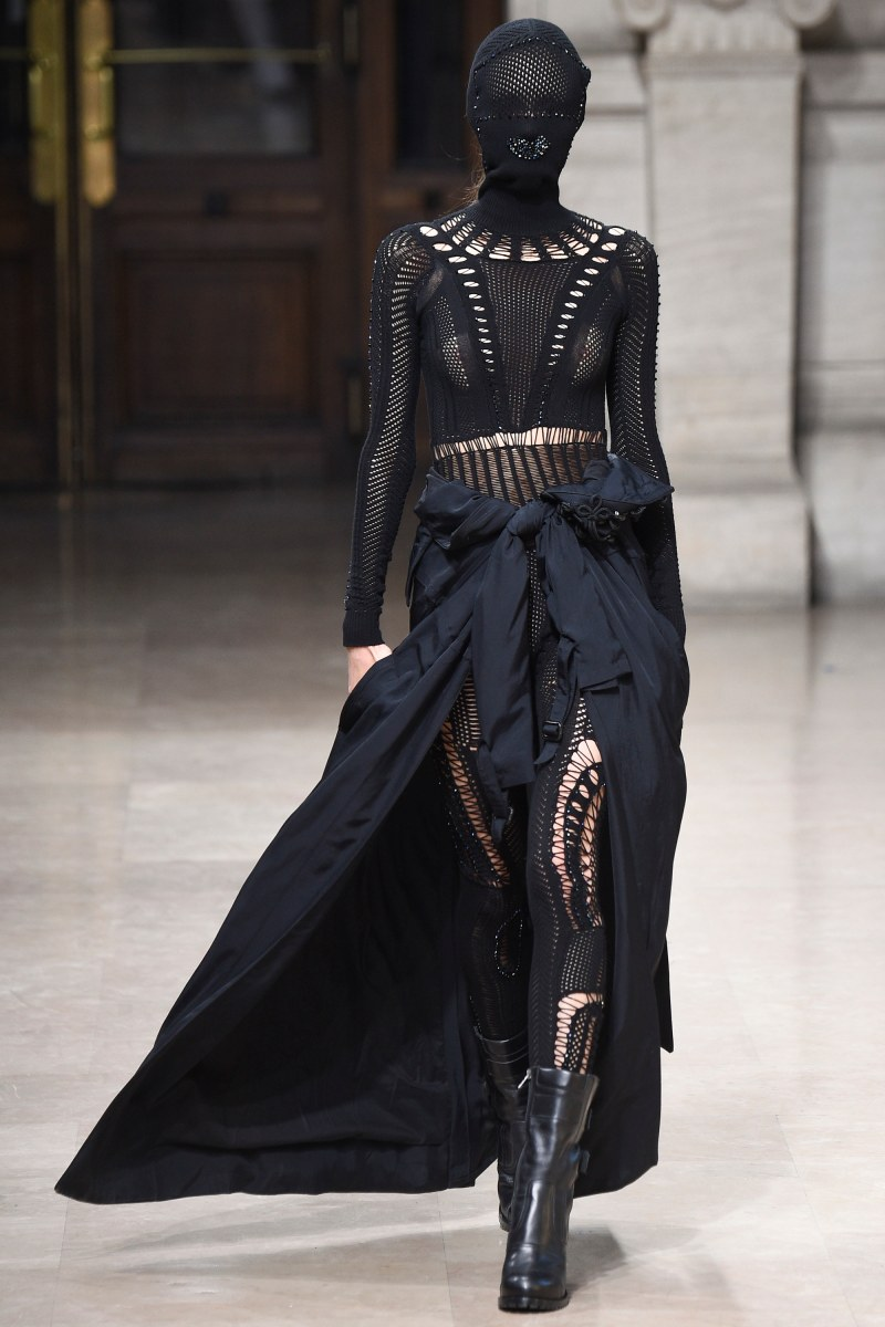 A.F. Vandevorst Ready To Wear SS 2016 PFW (11)
